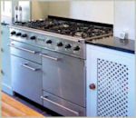 Image of cooker in completed Laurel Farm Kitchen